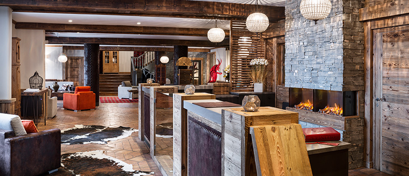 france_espace-killy-ski-area_tignes_village-montana-hotel_reception.jpg